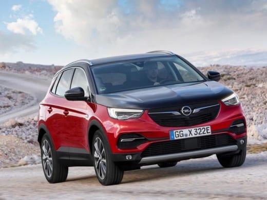 Opel kondigt prijs Grandland X Hybrid4 aan